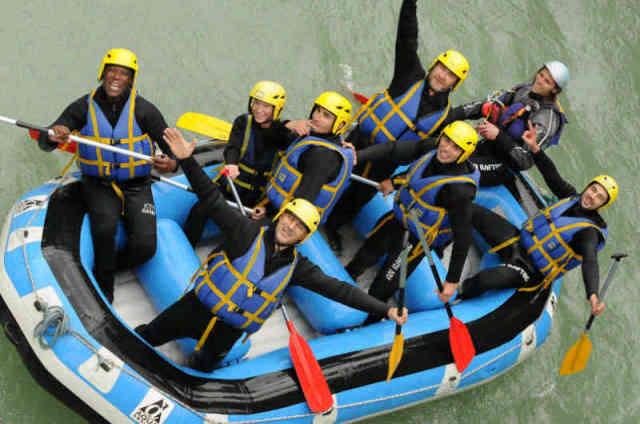Séminaire challenge rafting en Haute-Savoie