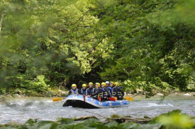 Formules et packages rafting en Haute-Savoie